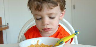 Skal barnet få annen mat dersom det ikke er favoritten som serveres?