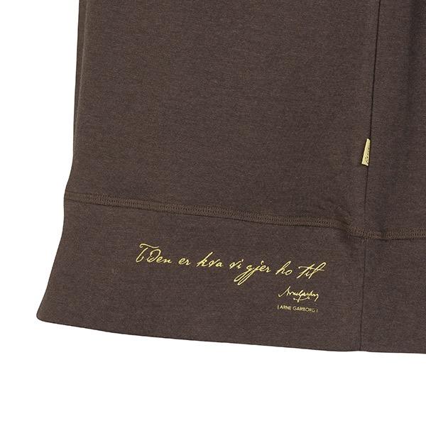 FREJA-sweater-i-fargen-Brun-3.jpeg