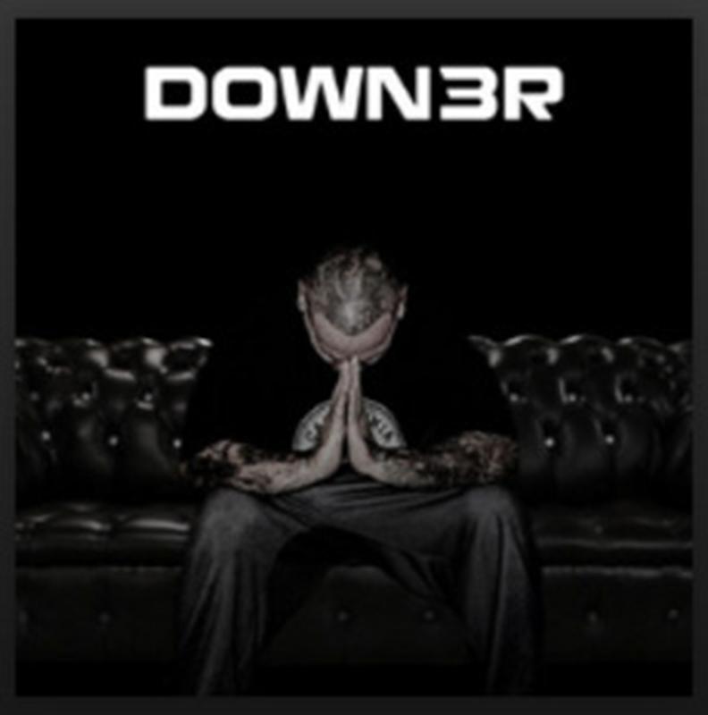 Down3r Men's T-Shirt>