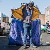 Oprichter timmer sheltersuits daklozen 1