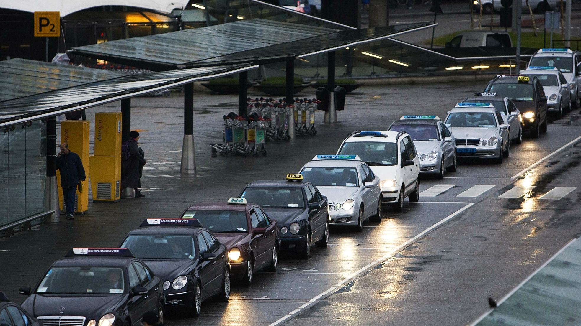 Corona crisis taxi branche zzp uber