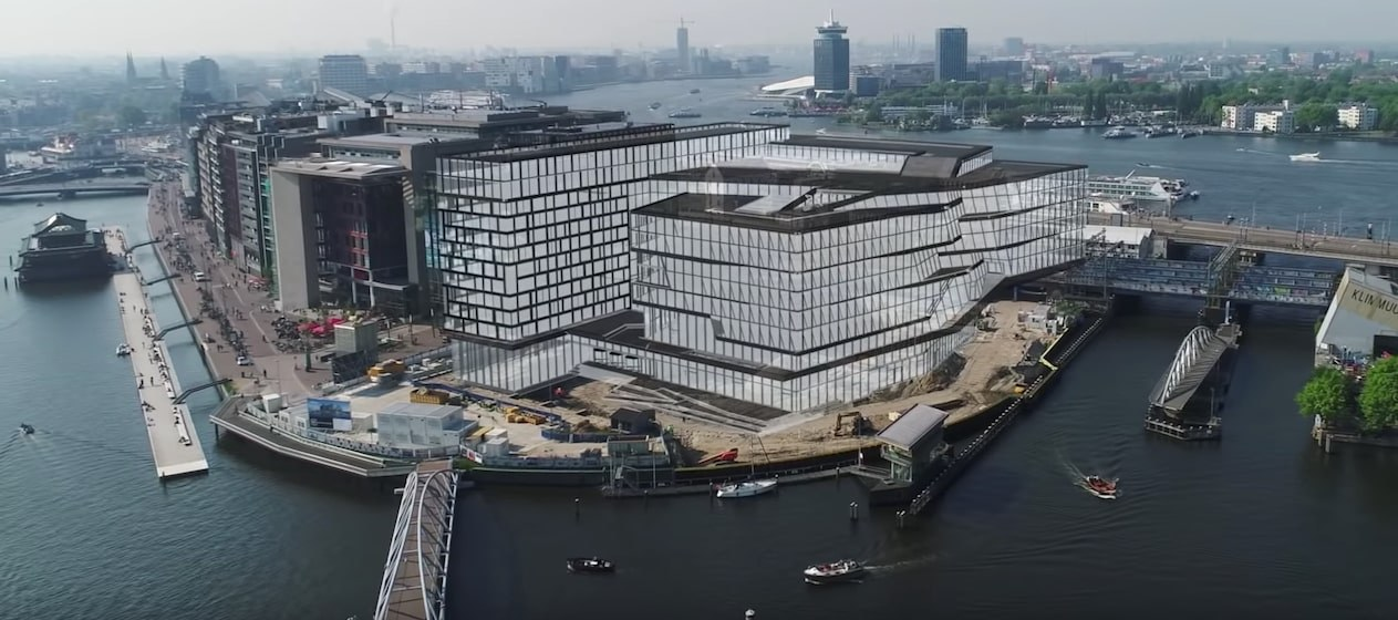 Hoofdkantoor booking amsterdam
