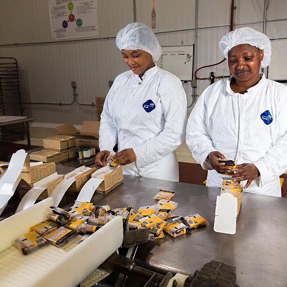 Greyston bakery mike brady interview purpose day open hiring aannemen personeel werknemers geen sollicitatiegesprek research vragen wachtlijst 5