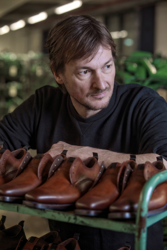 Floris van bommel schoenen damesschoenen herenschoenen familiebedrijf ondernemen ondernemers verhaal vertellen ontwerpen 2