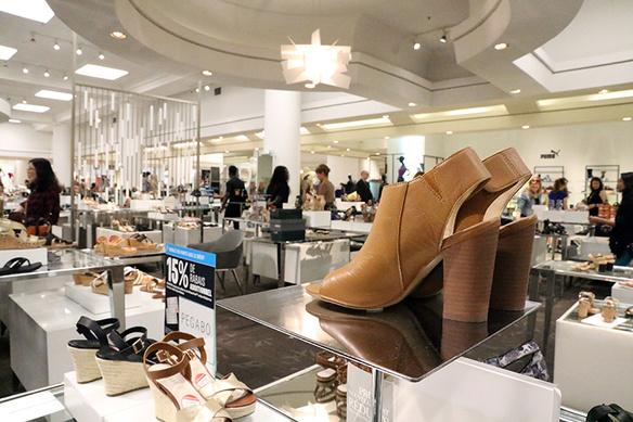 Hudsons bay hbc warenhuis canada montreal flagshipstore winkel schoenen 706