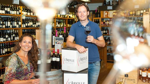 Wijnhandel Kroese Epe Bas Andrea Kroese wijnkoperij wijn prijzen bekroond prijs winnaar wijnhuis 1