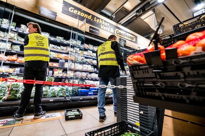 Supermarkten voorraden op peil houden corona