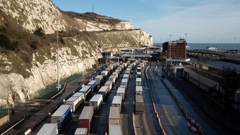 Vrachtwagens file douane brexit