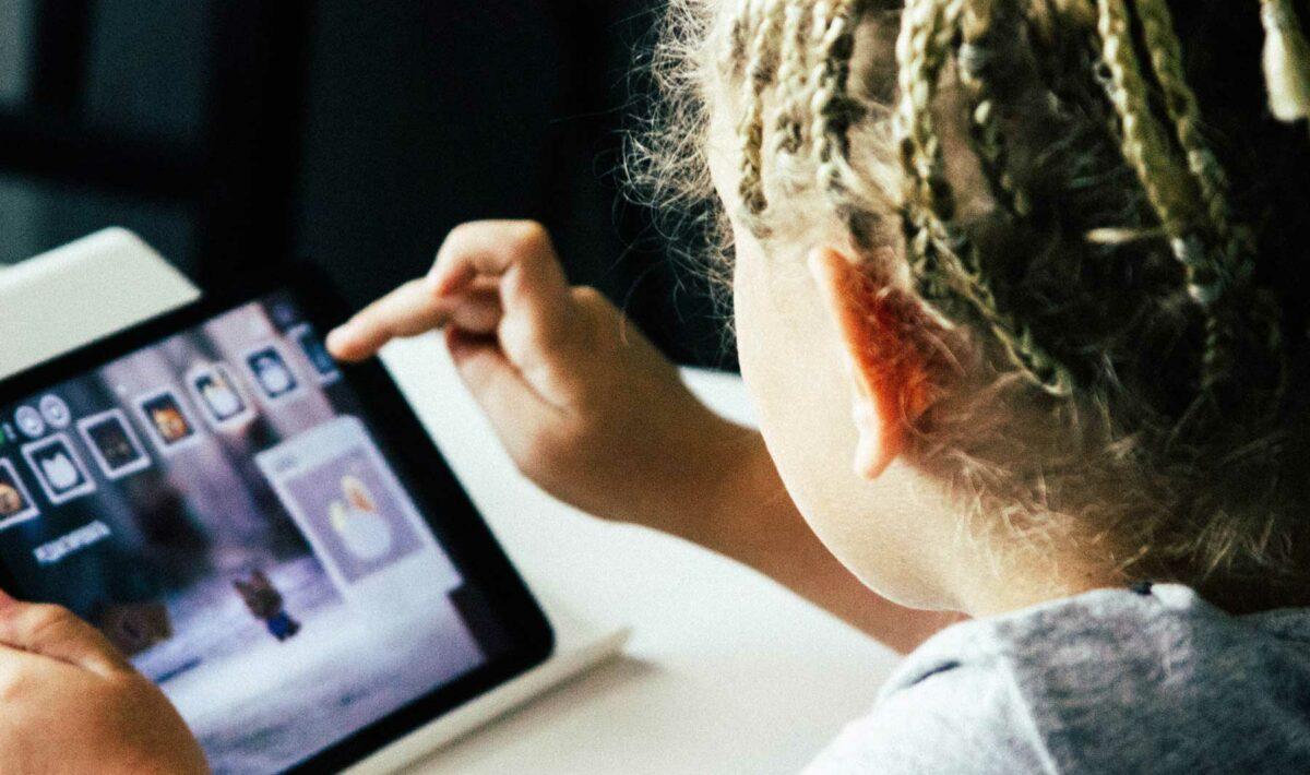 Blog Doctoome | Jeunes enfants : L'exposition aux écrans le matin augmenterait les troubles du langage