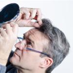 Comment le stress provoque-t-il des cheveux blancs ?