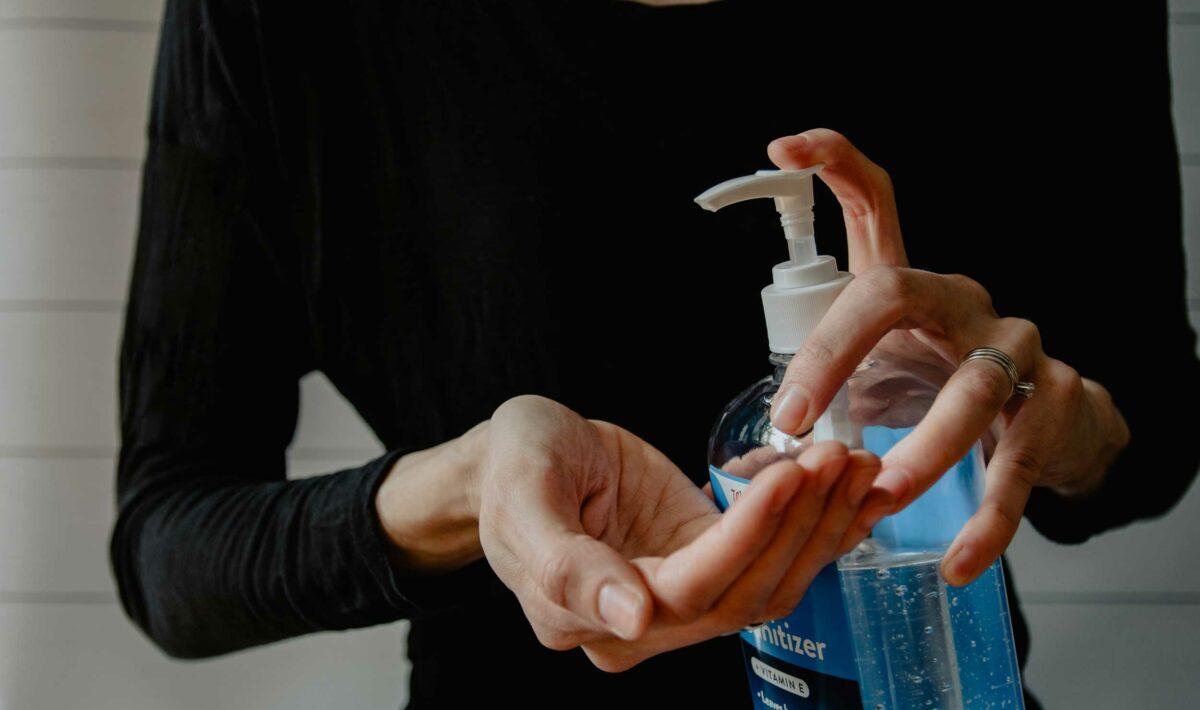 Blog Doctoome | Gel hydroalcoolique : nos conseils pour éviter d'abîmer ses mains