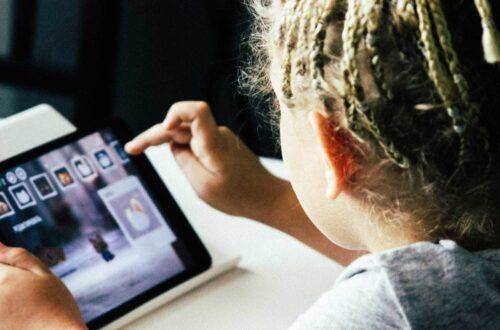 enfants et écran : troubles du langage