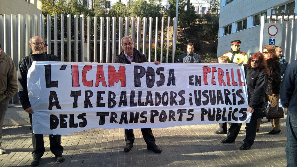 Protesta de la PAICAM davant la seu de l'ICAM / PAICAM