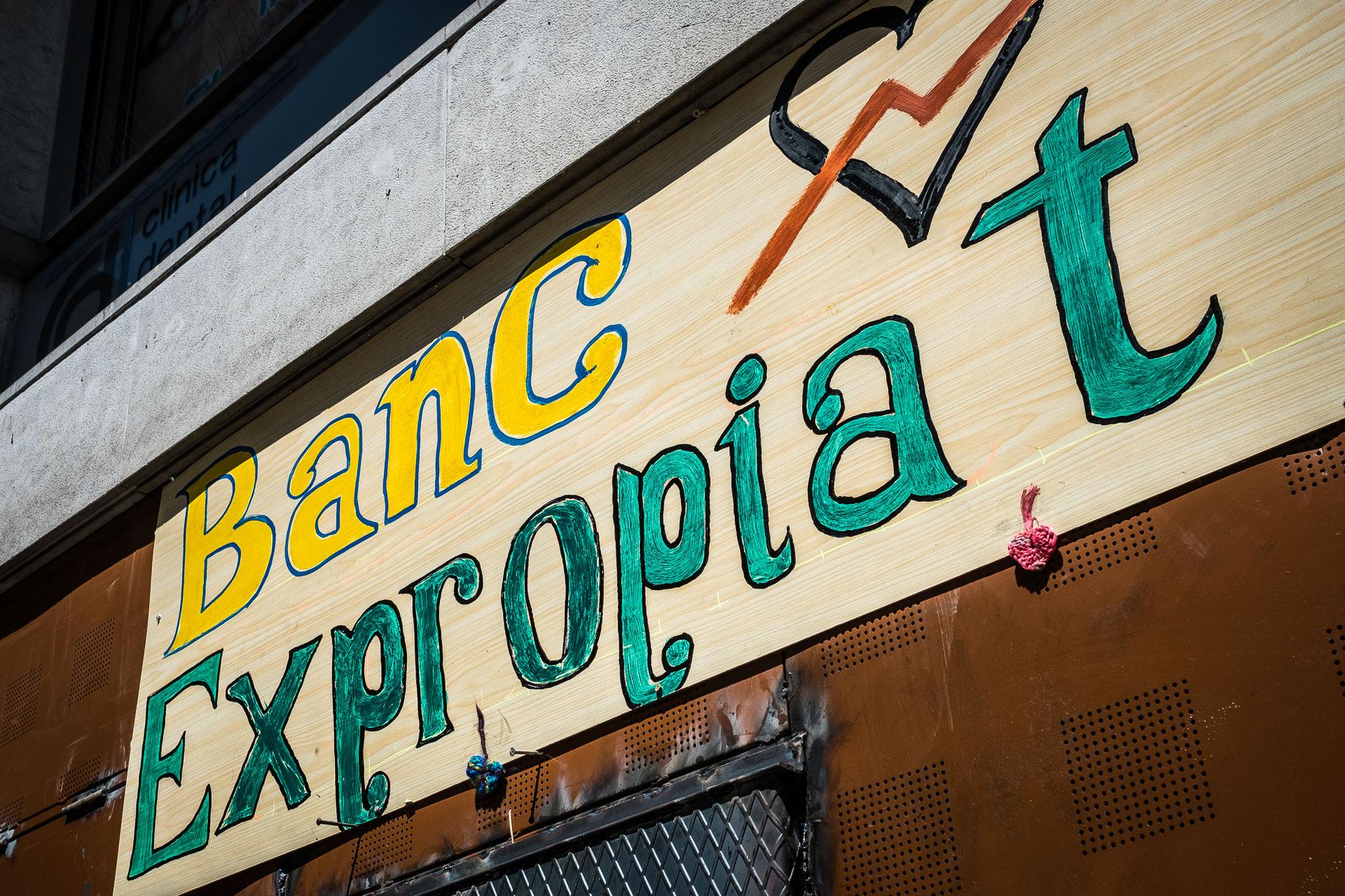 El desallotjament del Banc Expropiat podria haver-se produït fa setmanes. / JORDI BORRÀS