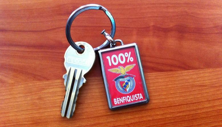 clauer amb l'escut del Benfica