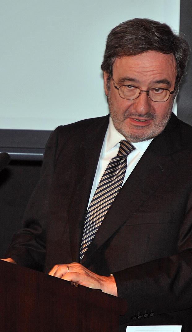 Narcís Serra, en una entrega de premis solidaris / FUNDACIÓ FACTOR HUMÀ