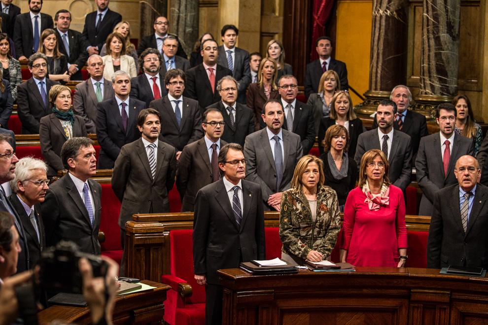 Diputats de CiU al Parlament de Catalunya, amb el govern en primer pla / JORDI BORRÀS