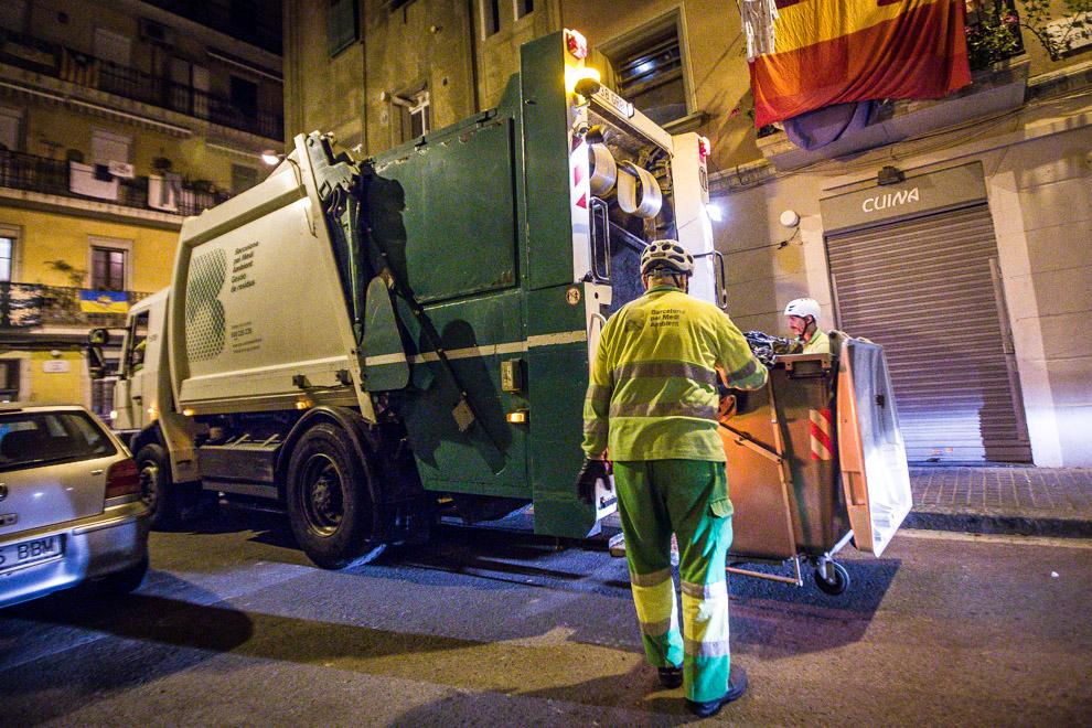Camió de les escombraries / JORDI BORRÀS