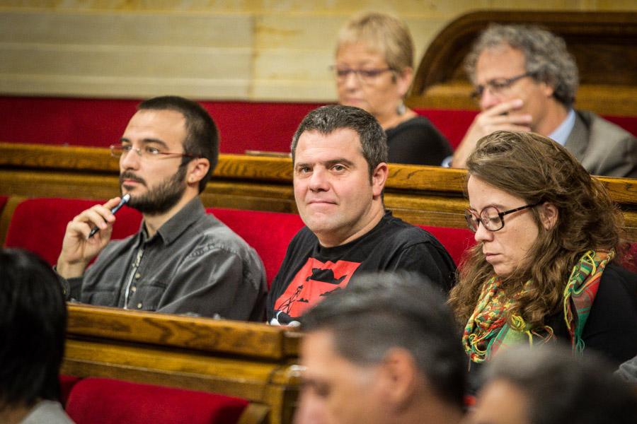 Albert Botran, Busqueta i Eulàlia Reguant, a la bancada de la CUP al Parlament / JORDI BORRÀS