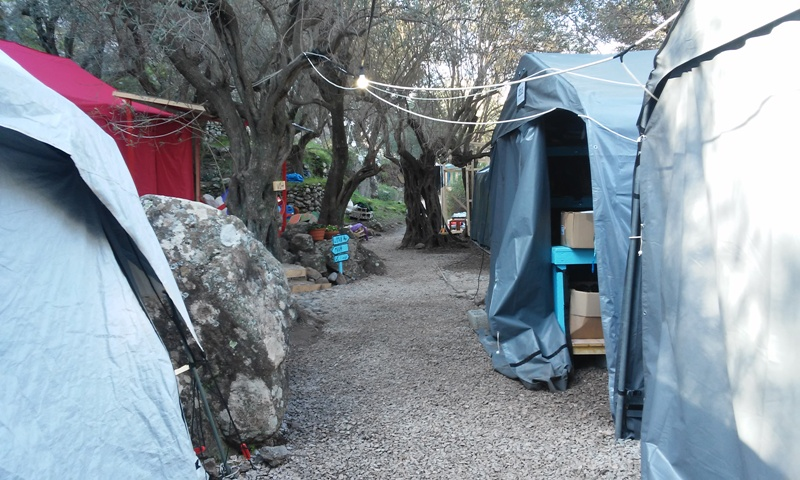 tendes de campanya al camp de Lighthouse, a l'illa de Lesbos / LAIA ALTARRIBA