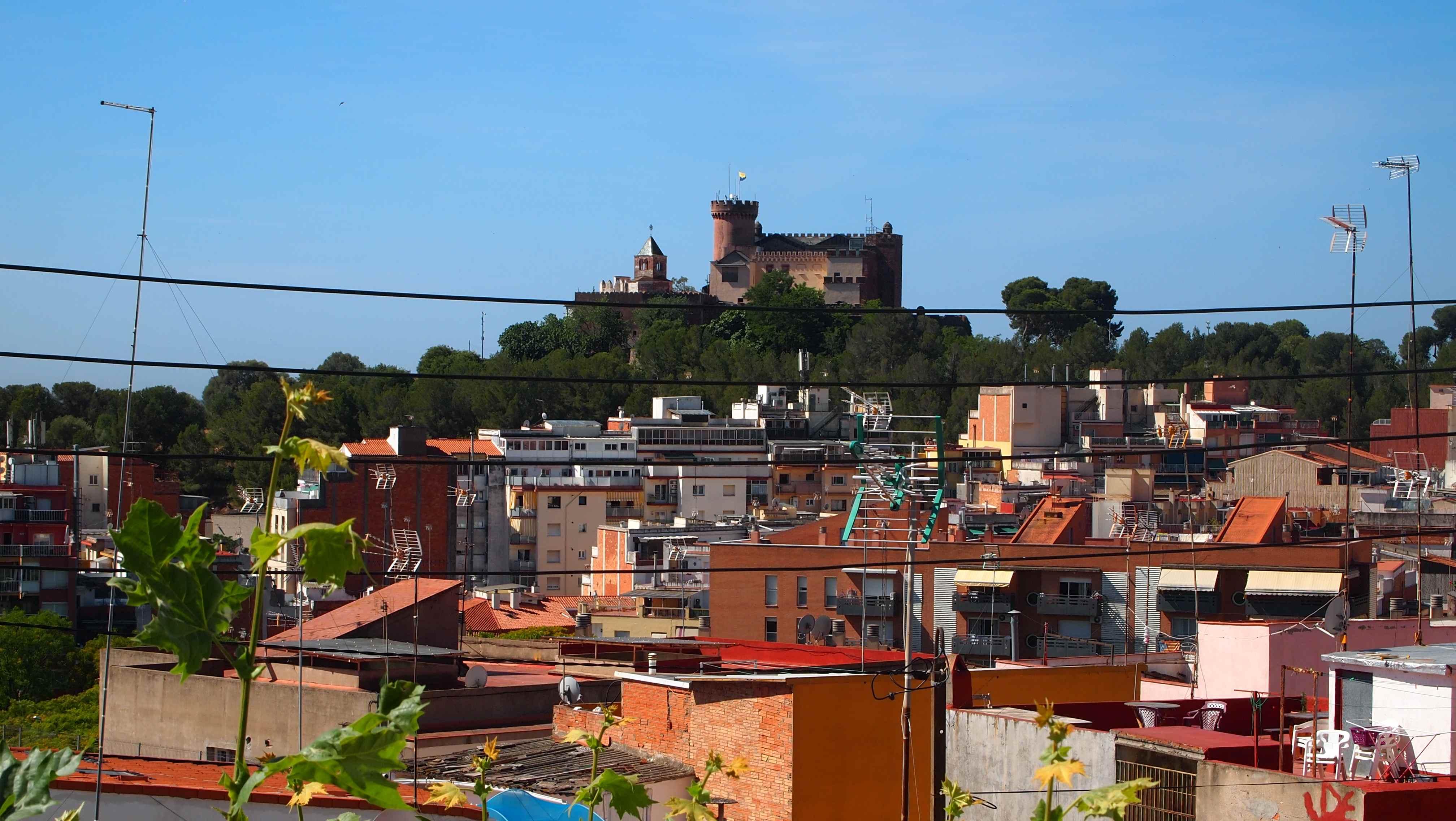 Vistes del castell, a la ciutat de Castelldefels / MARC COROMINAS