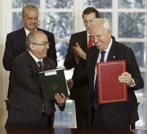 García-Margallo, durant la firma d'un acord amb el seu homòleg algerià, Ramtane Lamamra / MINISTERI DE L'EXTERIOR