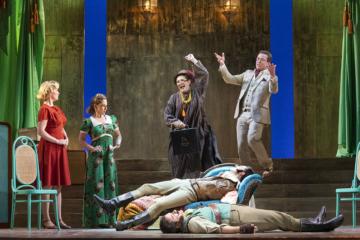 Despina and Don Alfonsa encourage the sisters, while Ferrando and Guglielmo pretend to be dead