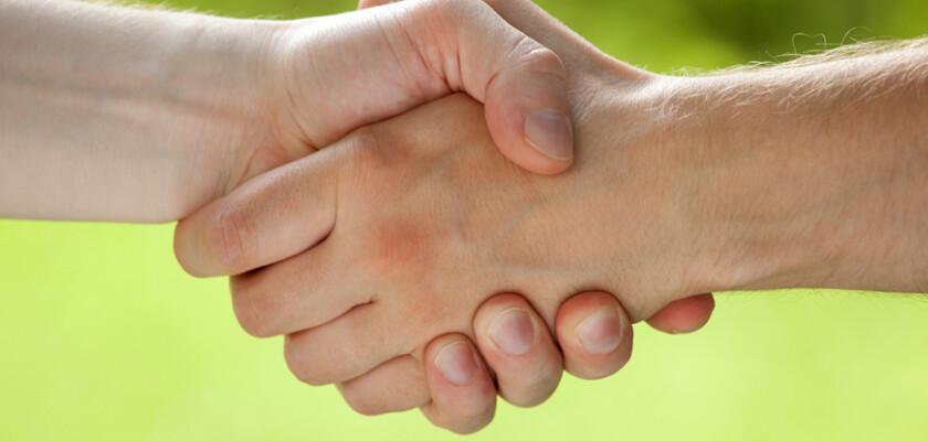 Partners handshake 143600992