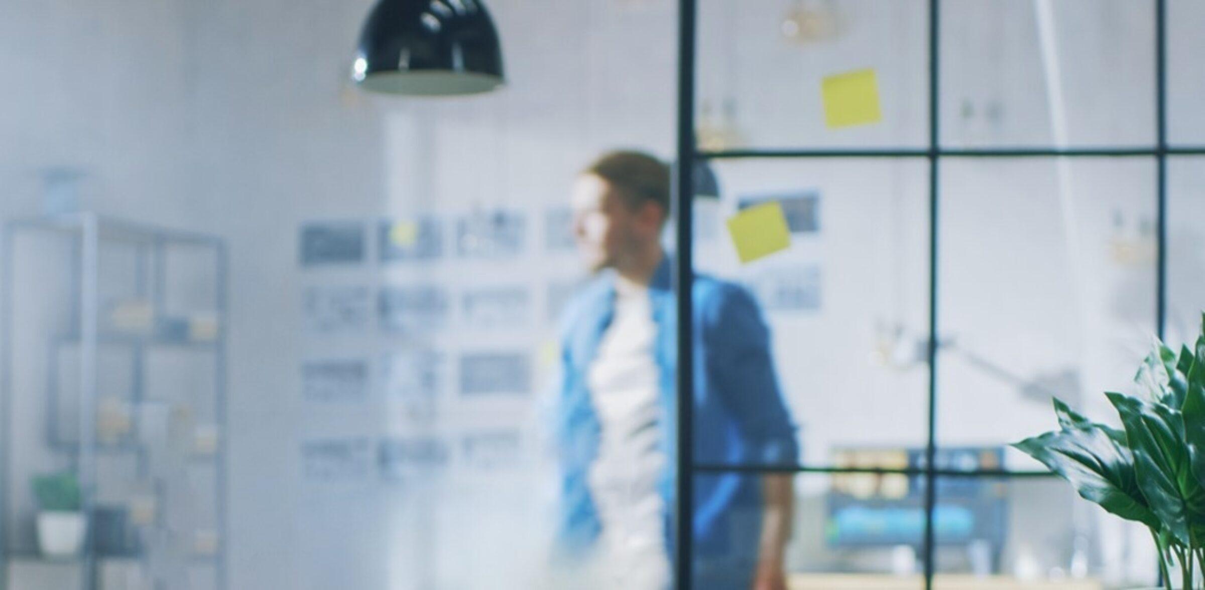 AOC utvider serien med skjermer for bedrifter