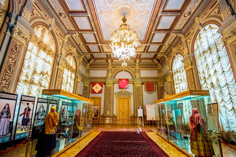 Excursion to the historical and modern museums of Baku
