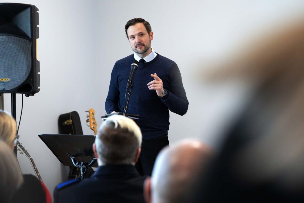 Gatehospitalet i Bergen åpnet av utviklingsminister Dag Inge Ulstein