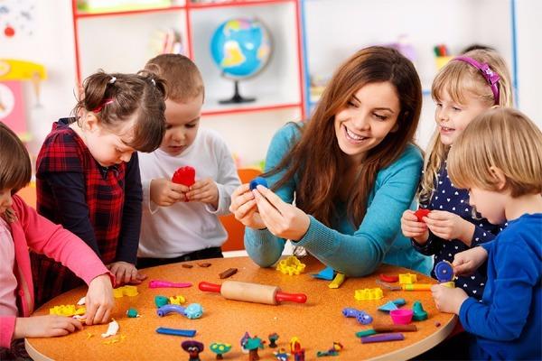 Teaching Orphans | Enlighten Egypt