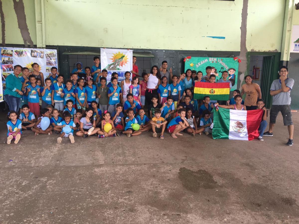 Gira Mundo | Cuiabá | Volunteer to help kids