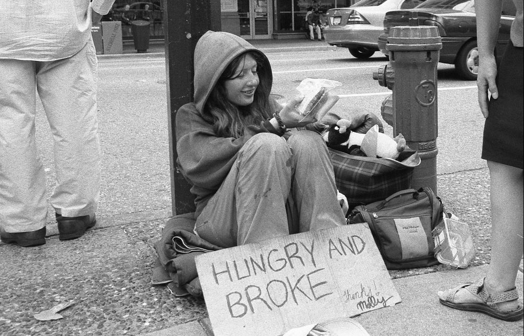 Psychological Support to Homeless People - No Poverty