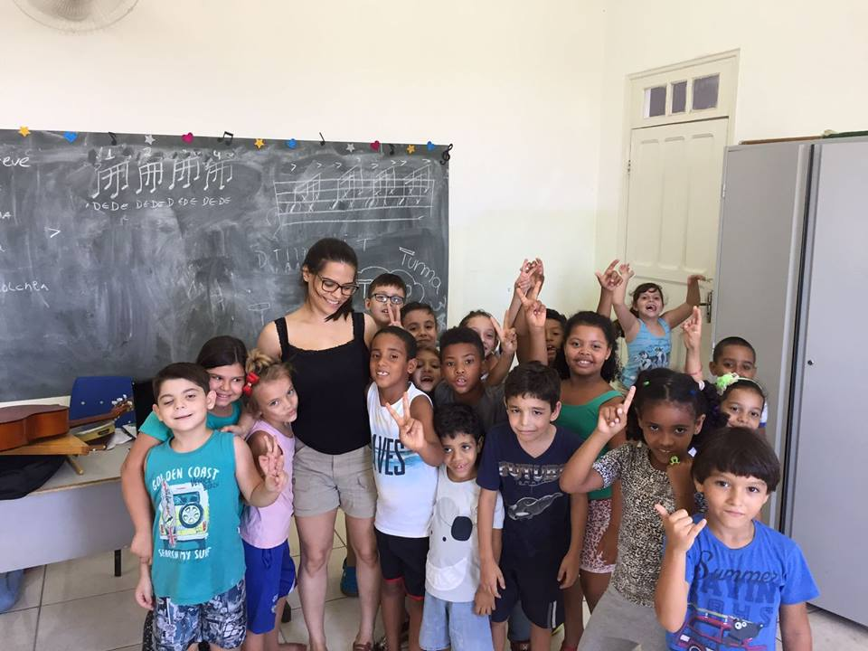 Teach English for children in vulnerability situation