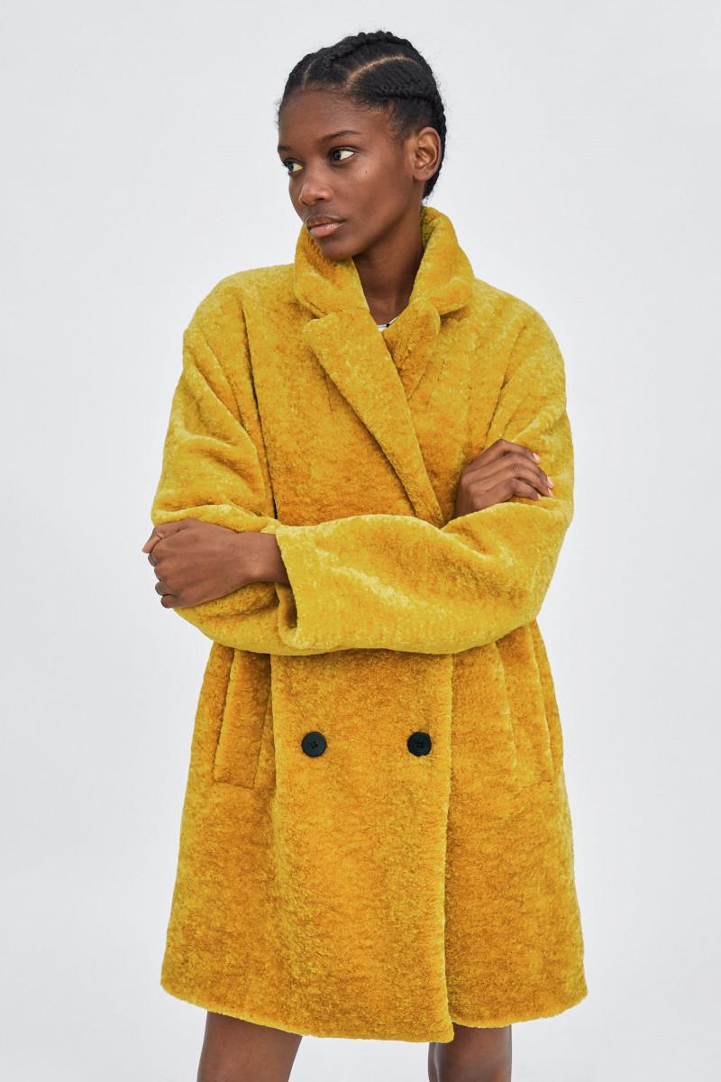 abrigo zara || Detalle del producto || Glamy