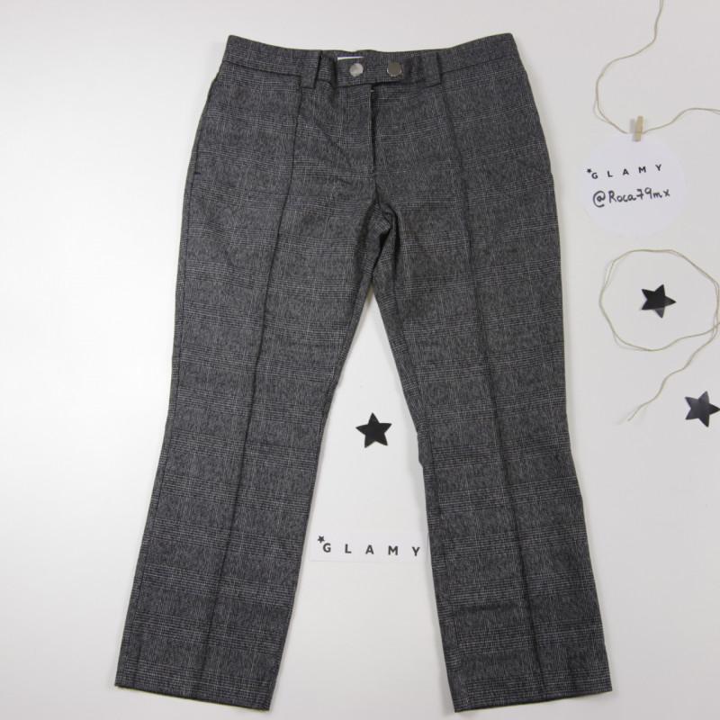 Pantalón de cuadros grisáceo