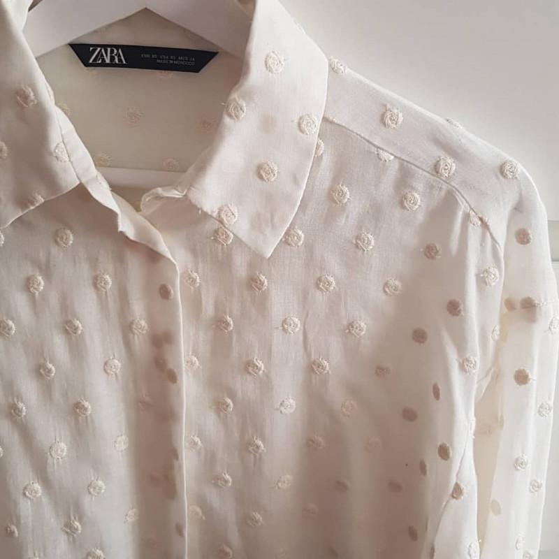 información para precios de liquidación belleza Camisa Zara color Blanco con Lunares Bordados    Detalle del ...