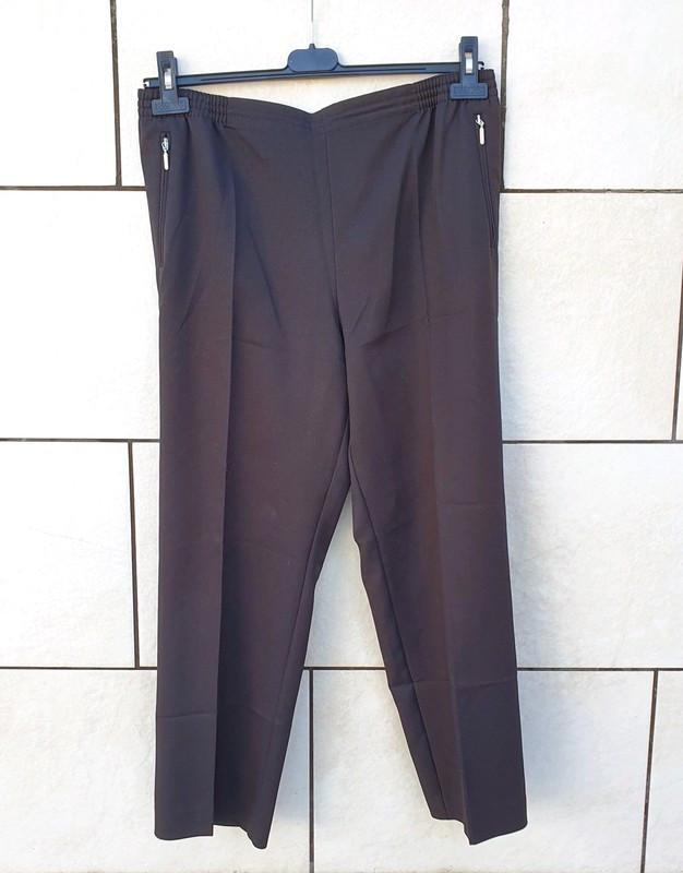 Pantalón negro Canda