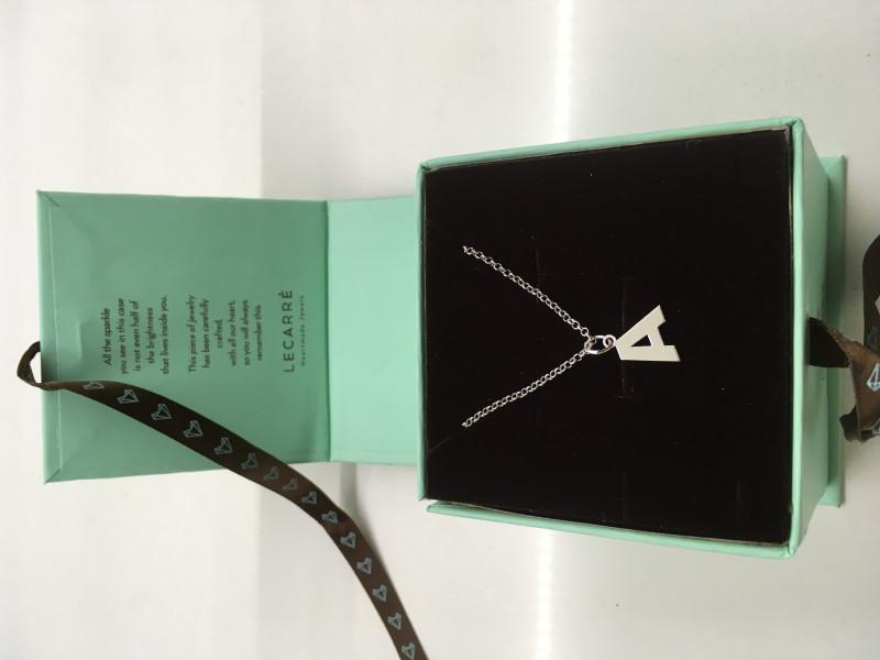 Collar plata + Colgante A Le Carré