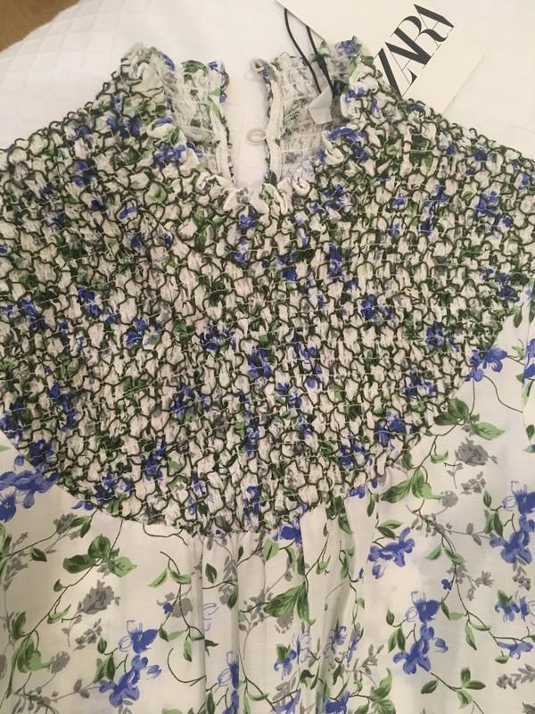 Vestido de flores Zara T-XS