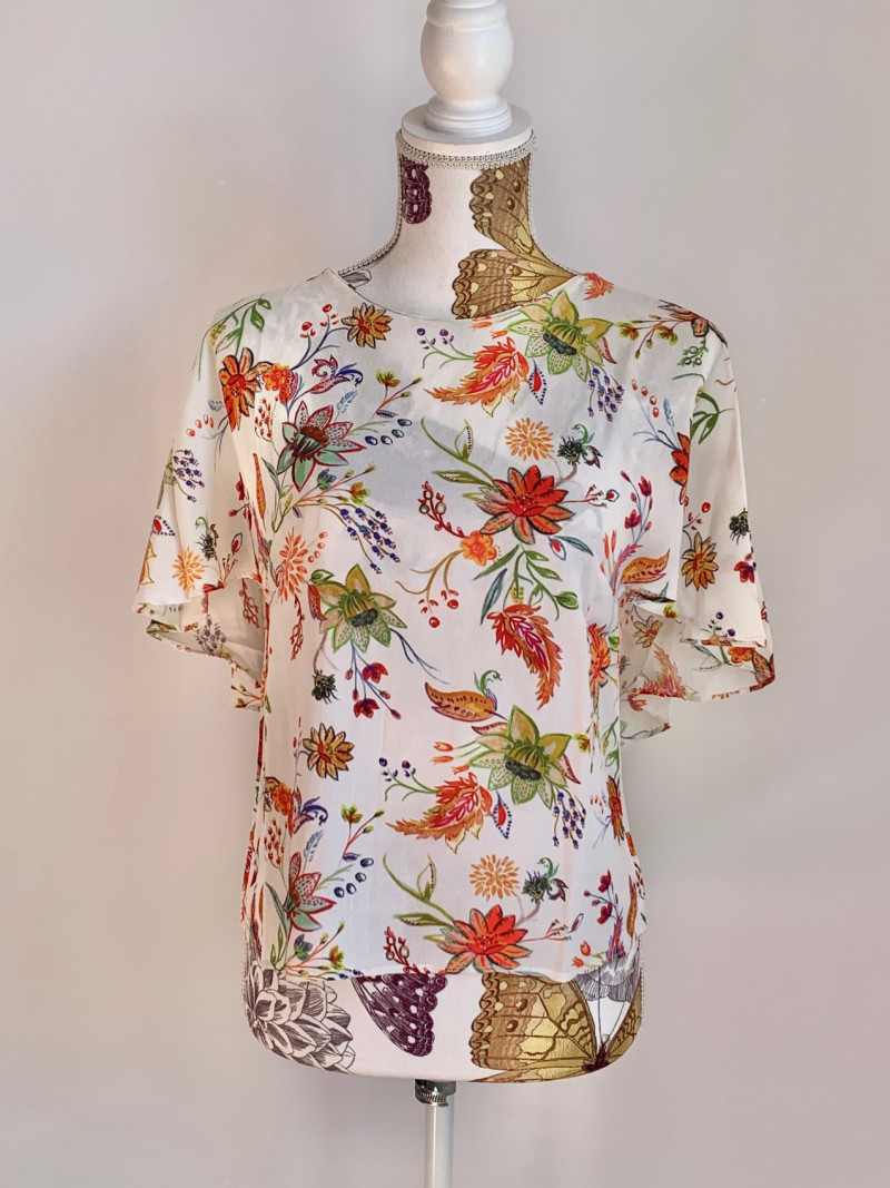 Camiseta espalda descubierta Zara