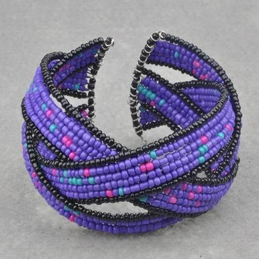 Bonita pulsera de perlas de rocailles