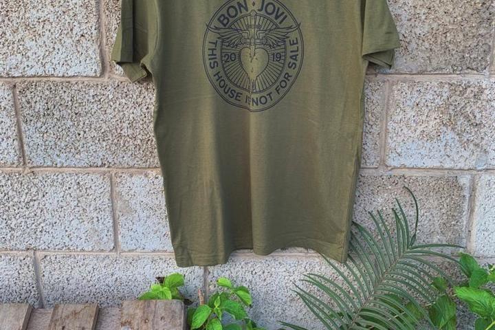 חולצות מודפסות ללהקה האגדית Bon Jovi