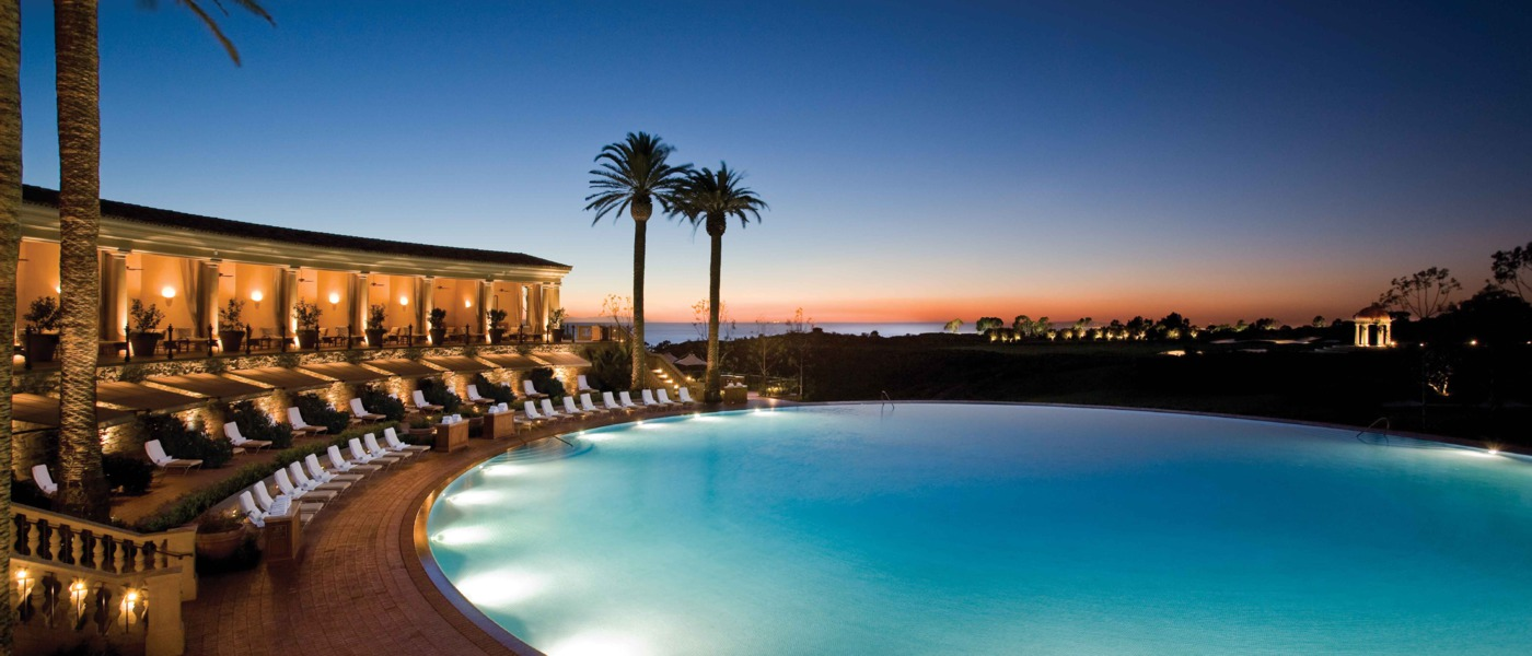 Coliseum Pool & Grill - The Resort at Pelican Hill ...