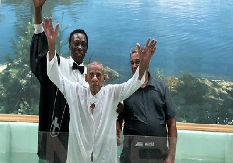 Riceve il battesimo a 103 anni nella chiesa avventista di Portorico