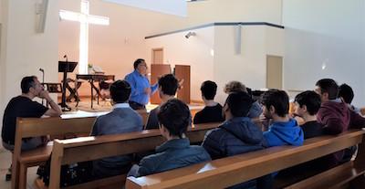 Classe dell'Itis visita la chiesa di Parma