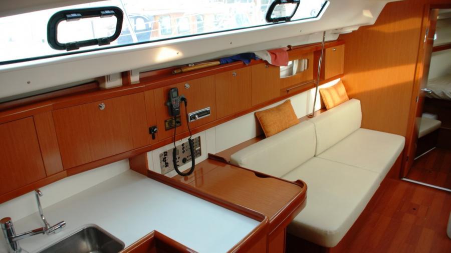 Beneteau Oceanis 43 for sale
