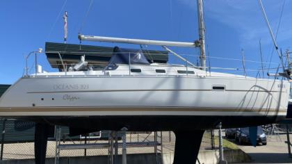 Beneteau Oceanis 323 Clipper for sale