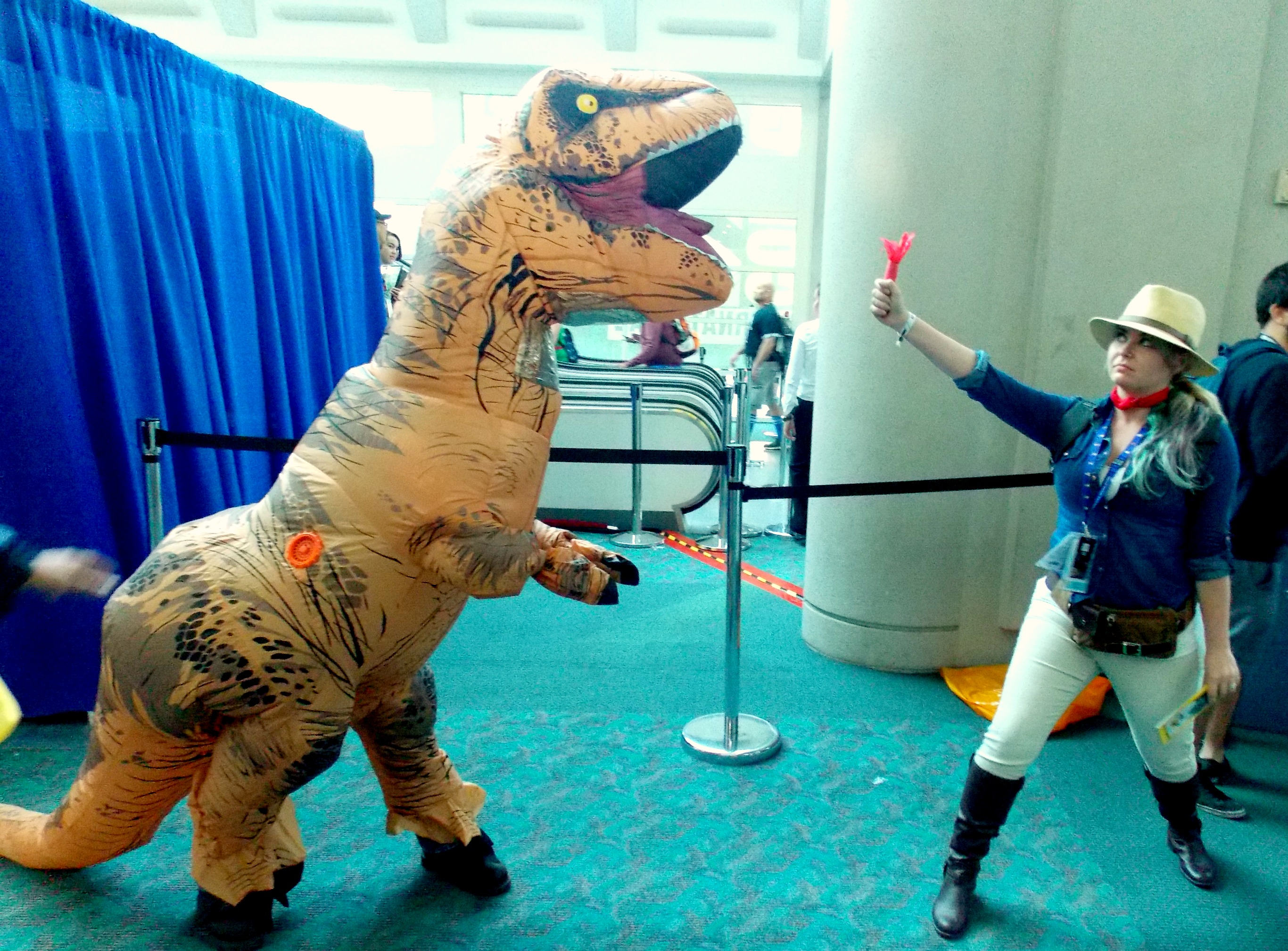 Gender-Swapped Alan Grant and the T-Rex